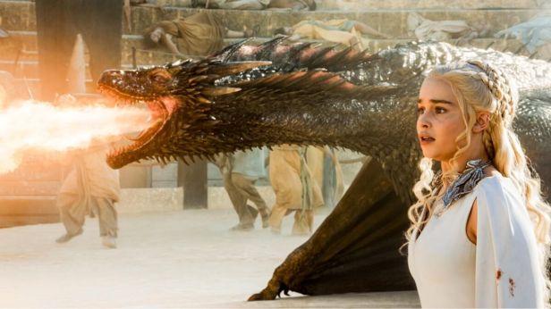 khaleesi ejderha ile kacisi