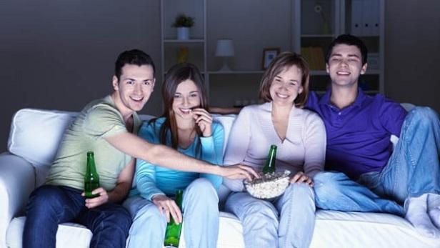 evde film izlemek